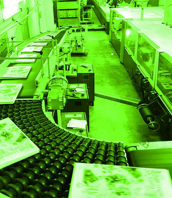 Klebebinden in unserer Buchbinderei